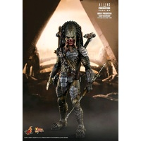 "Alien vs Predator - Wolf Predator Heavy Weaponry 12"" Figure"