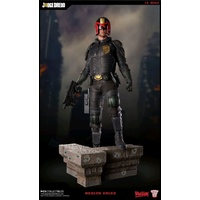 2000 AD - Judge Dredd 1:4 Scale Statue