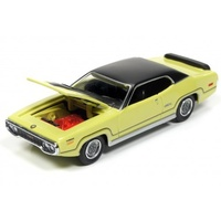 Racing Champions Mint 1:64 Diecast 1971 Plymouth GTX (Curious Yellow)