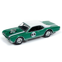 Johnny Lightning 1:64 Scale Street Freaks 2019 Release 2B -Spoilers- Custom 1967 Olds Cutlass (Green)