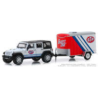 Greenlight 1:64 Scale Hitch & Tow Series 18 - 2015 Jeep Wrangler Unlimited with STP Small Cargo Trailer