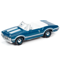 Johnny Lightning 1:64 Classic Gold Release 2 Version A - 1970 Oldsmobile 442 Convertible (Agean Aqua)