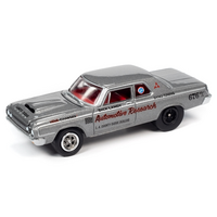 Johnny Lightning 1:64 Classic Gold Release 2 Version B - 1964 Dodge 330 (Silver Metallic)