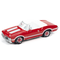 Johnny Lightning 1:64 Classic Gold Release 2 Version B - 1970 Oldsmobile 442 Convertible (Matador Red)