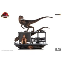 Jurassic Park - Velociraptors in the Kitchen 1:10 Scale Diorama